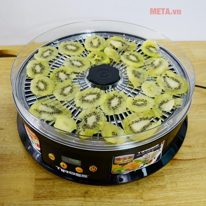 Máy sấy hoa quả Tiross TS9682 giúp sấy thực phẩm nhanh chóng, tiện ích