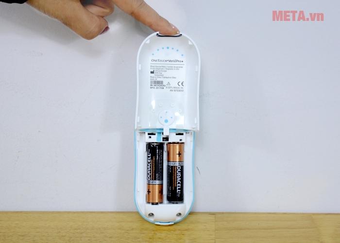 Khay chứa pin máy đo đường huyết Johnson & Johnson OneTouch Verio Pro Plus