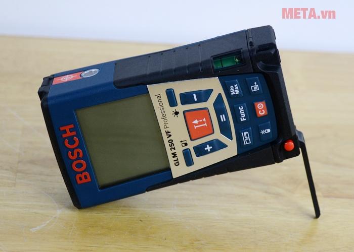 Máy đo khoảng cách laser Bosch GLM 250 VF có chân chống để đo