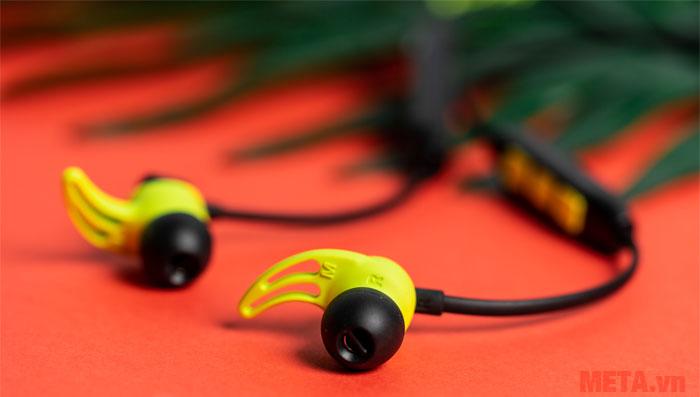 Vây tai giúp cố định tai nghe chắc chắn
