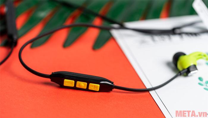Các nút điều chỉnh của tai nghe