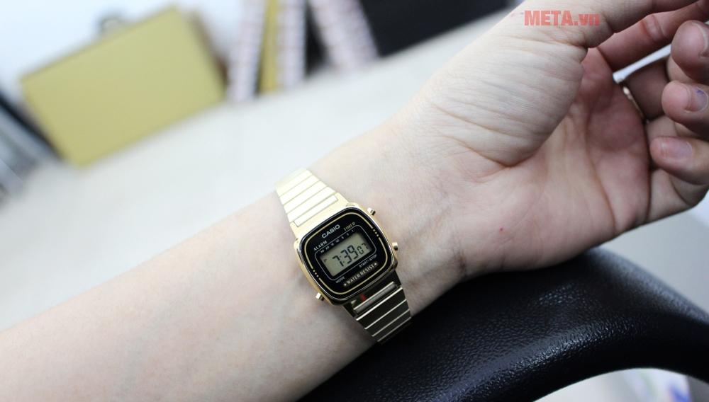 Đồng hồ nữ Casio