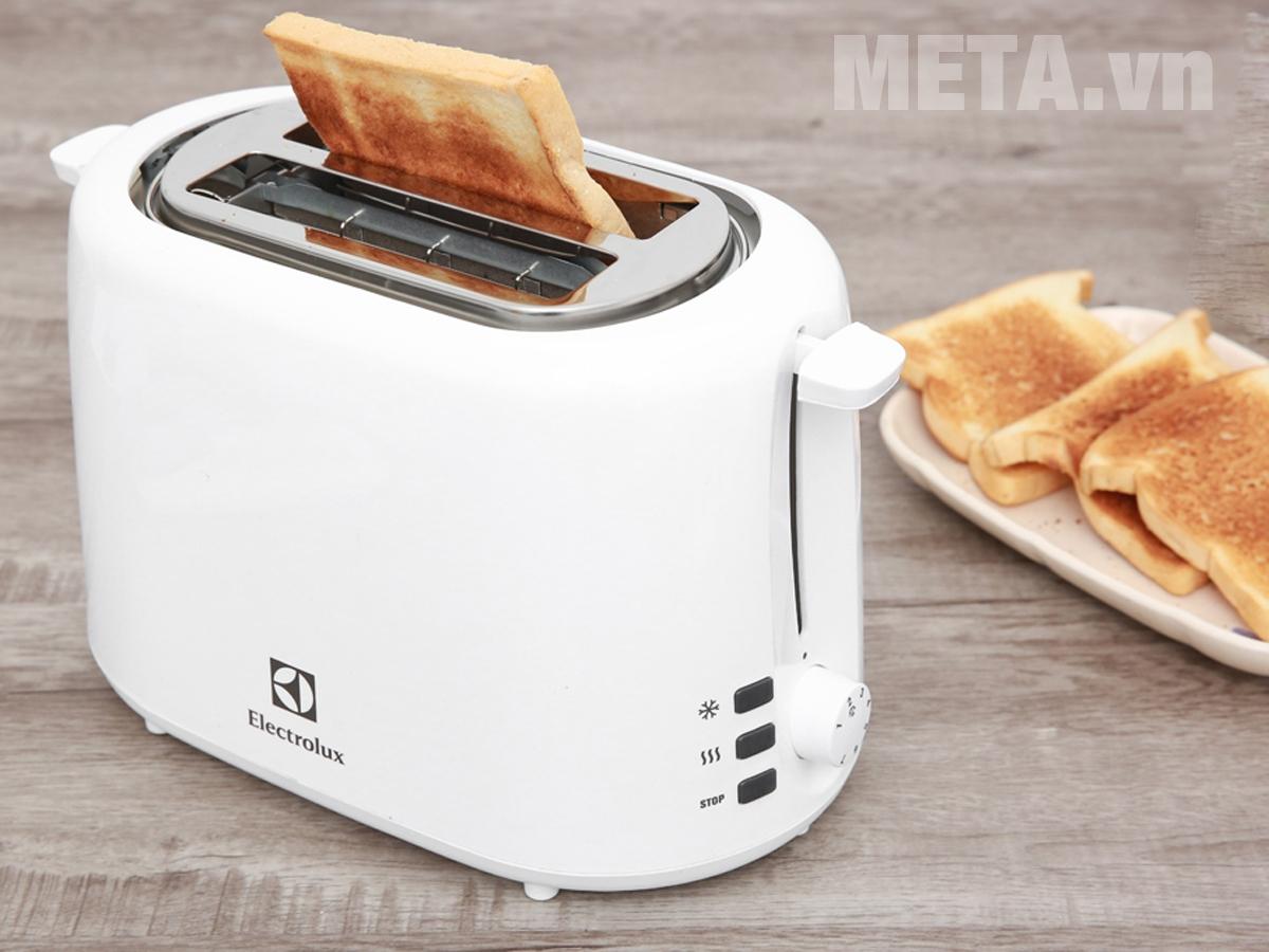 Hình ảnh máy nướng bánh mì Electrolux ETS1303W
