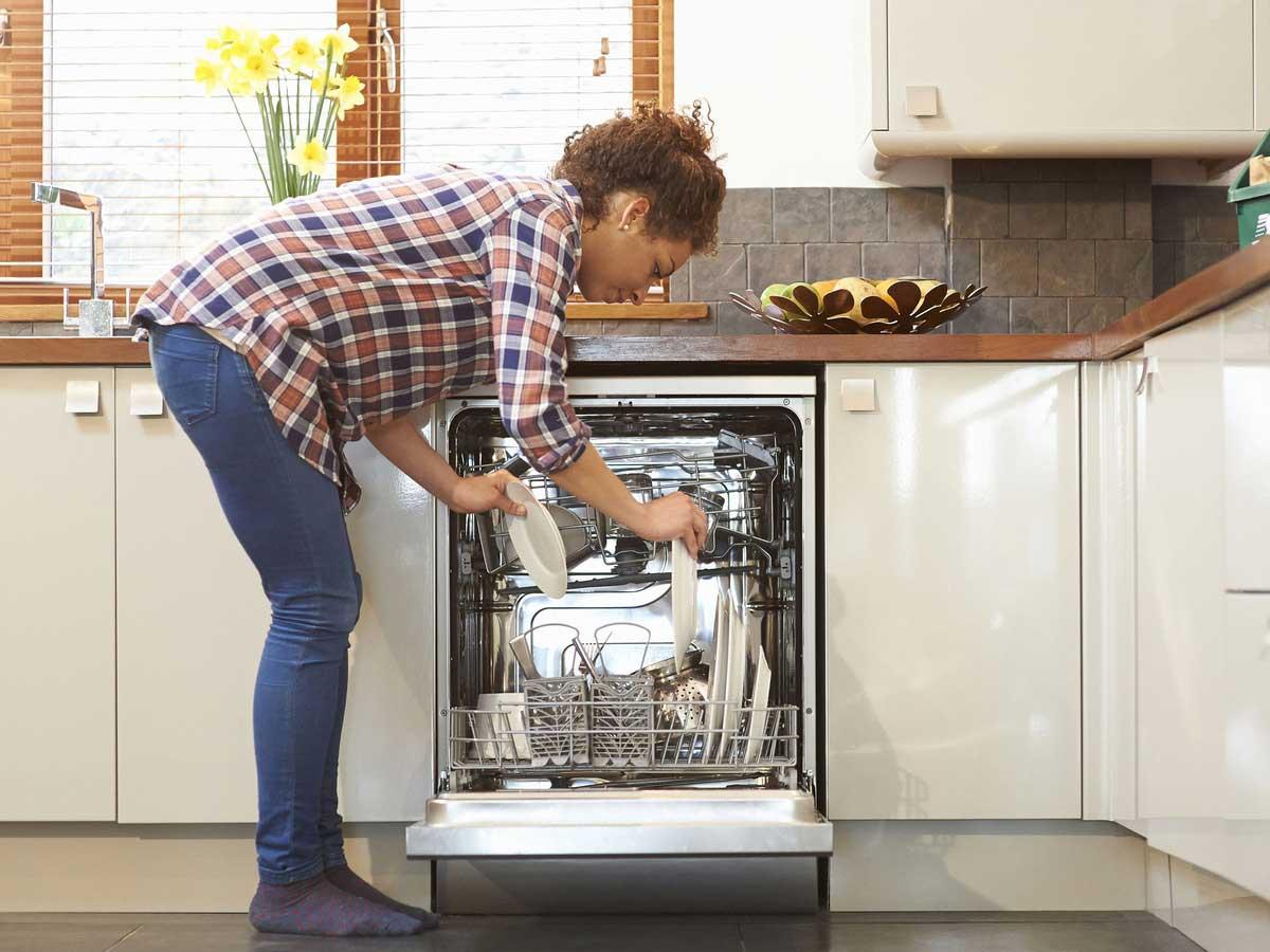 Cách sử dụng máy rửa chén tiết kiệm nhất