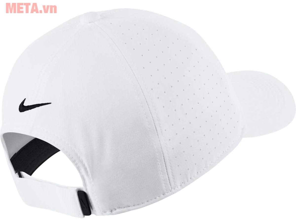 Mũ golf được thiết kế phong cách