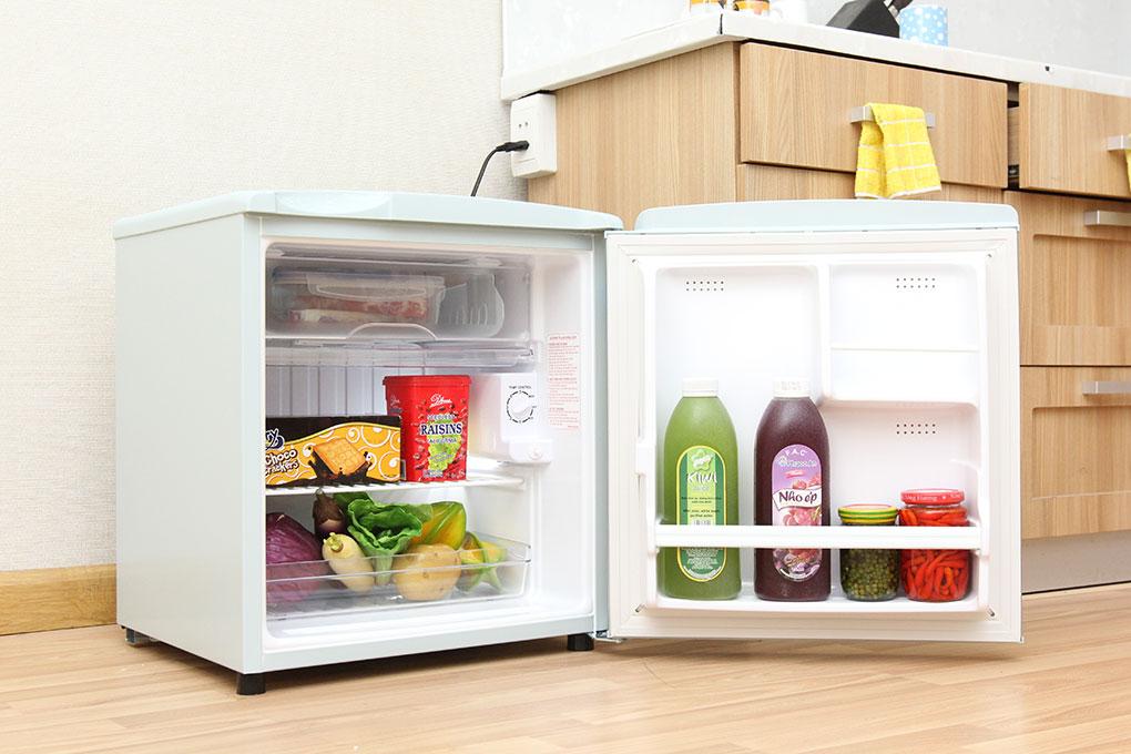 Không nên đóng/mở cửa tủ lạnh mini thường xuyên