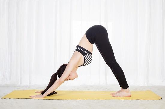 động tác yoga nên tập khi có kinh