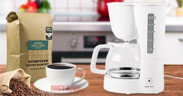 Máy lọc cà phê có thiết kế nhỏ gọn, trang nhã.