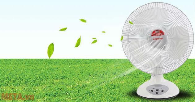 Quạt sạc tích điện hoạt động êm ái, làm mát hiệu quả khi không có điện.