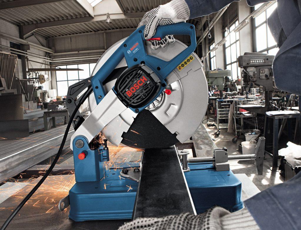 máy cắt sắt Bosch của nước nào