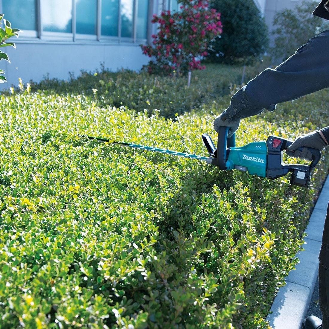 Máy cắt tỉa hàng rào Makita DUH601Z (Không pin, sạc) - META.vn
