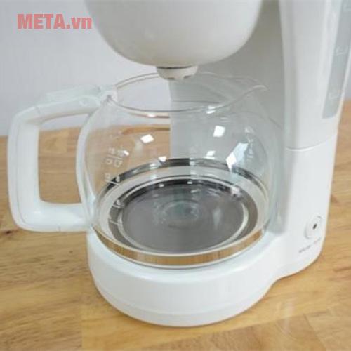 ECM1303W với ca đựng cà phê