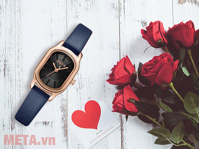 Đồng hồ nữ mặt chữ nhật