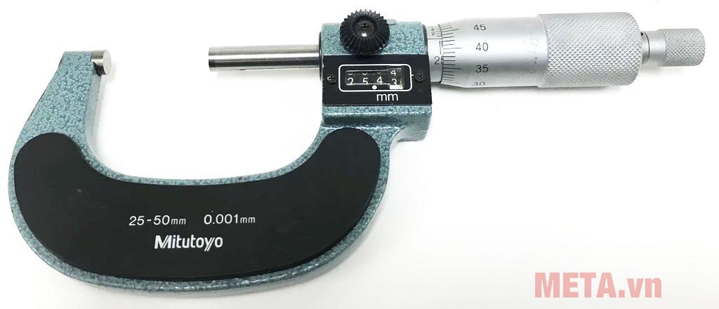 Panme thường dùng để đo những khoảng cách rất nhỏ