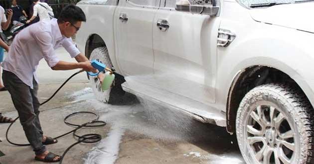 Bột rửa xe không chạm