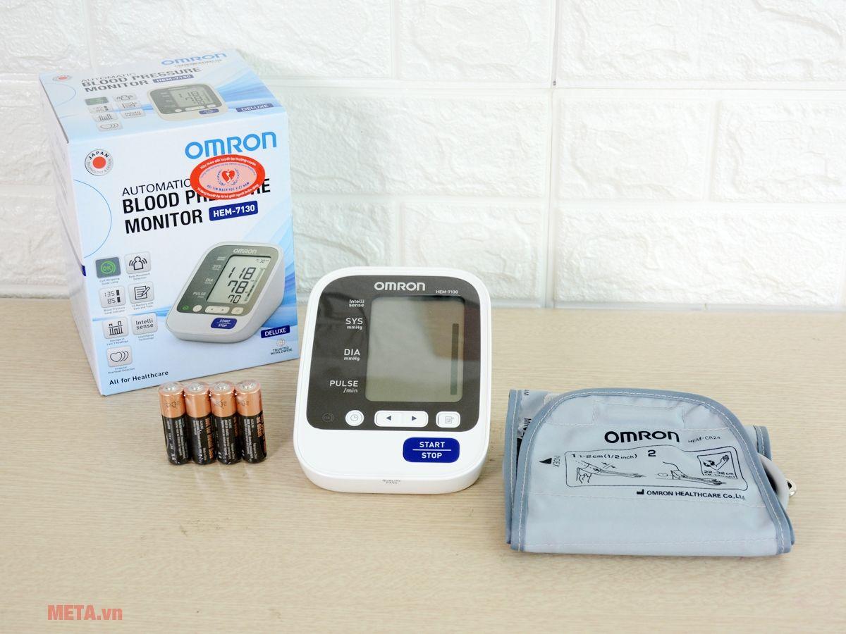 Máy đo huyết áp bắp tay HEM-7130 dùng đo huyết áp tại gia đình
