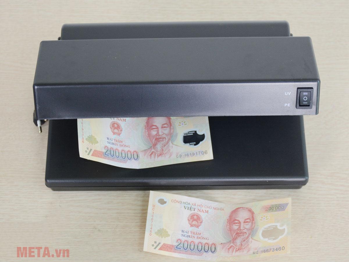 Máy soi tiền giả cho ngân hàng