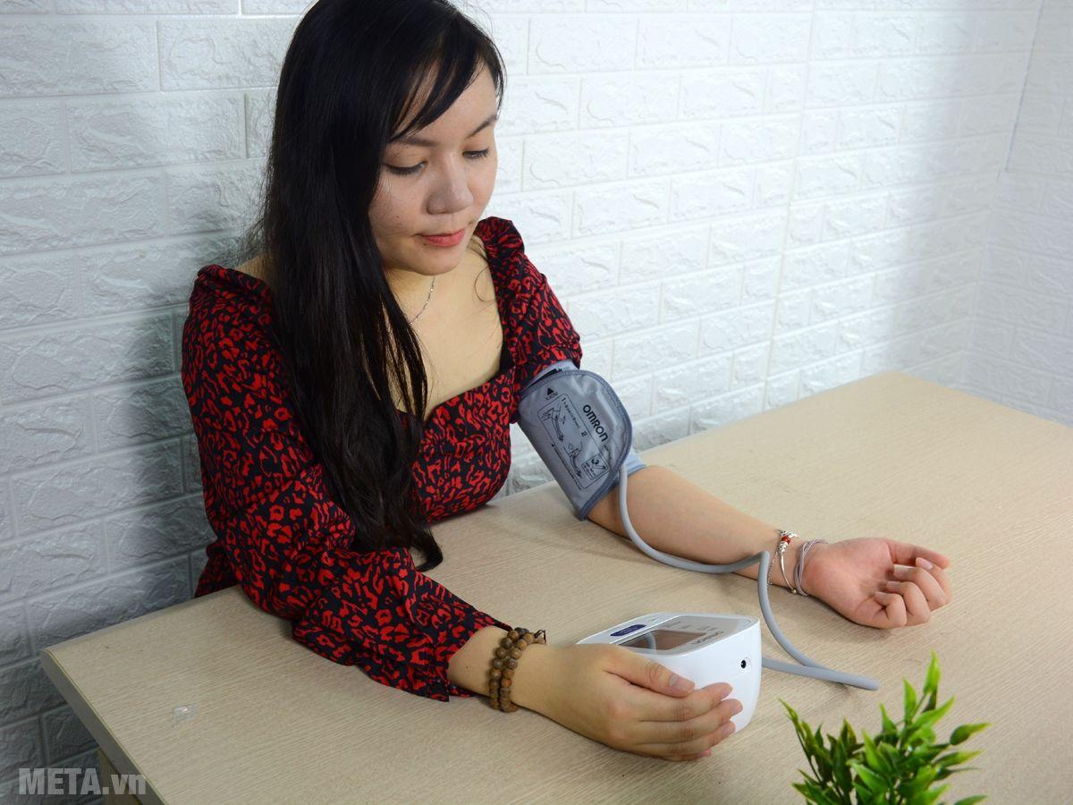 Hướng dẫn tư thế đo huyết áp đúng
