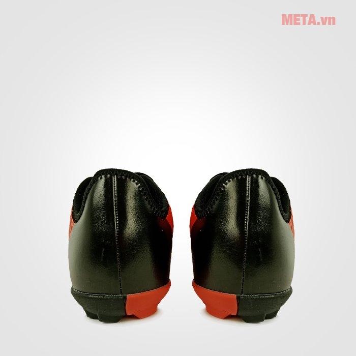 Giày đá bóng Mitre 180204B phù hợp và dễ đi đối với kiểu chân của người Việt Nam