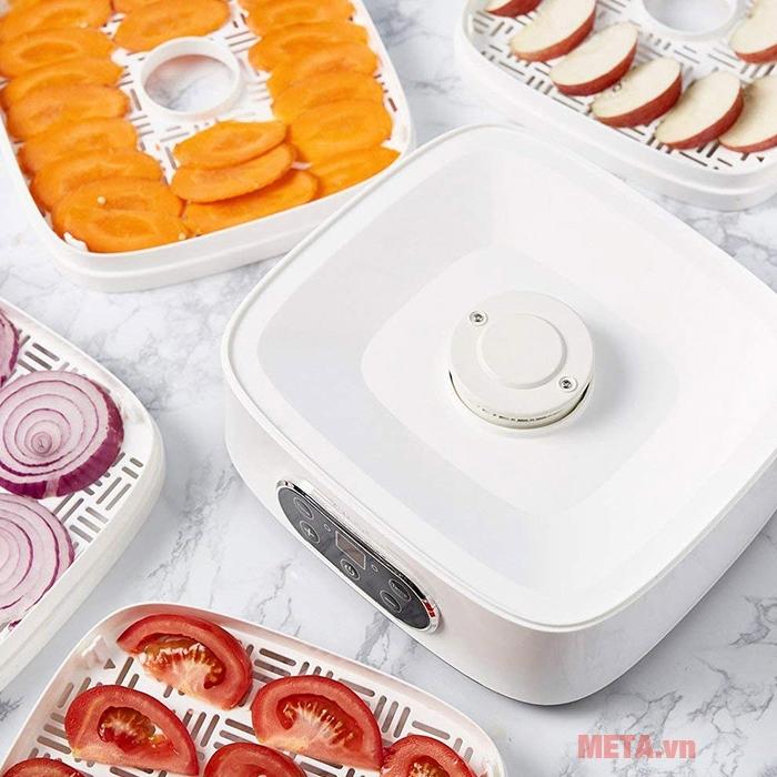 Máy sấy thực phẩm đa năng Magic A-73 có thể sấy được lượng lớn thực phẩm