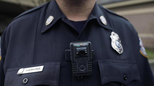 Camera đeo người cho nhân viên an ninh