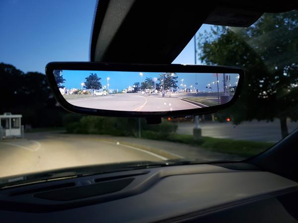 Camera hành trình lắp trên gương chiếu hậu