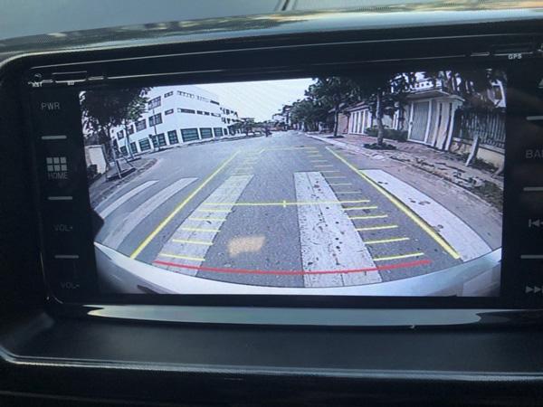 Camera hành trình tích hợp camera lùi