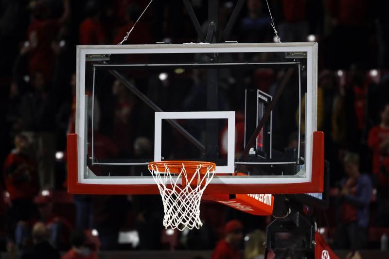 Kích thước bảng chắn bóng rổ là như thế nào?