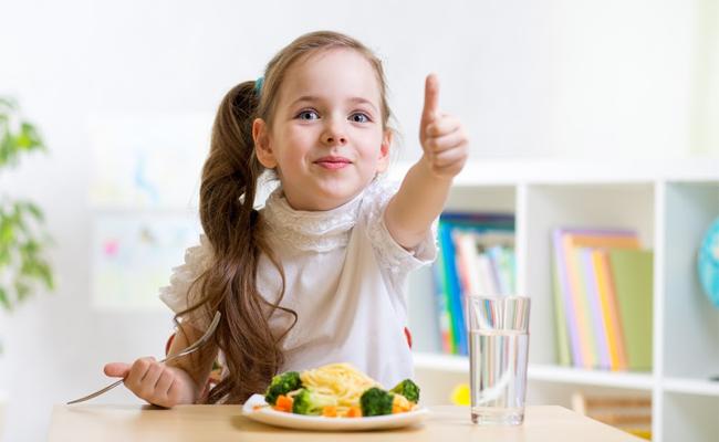 thực đơn tăng chiều cao cho bé 8 - 15 tuổi