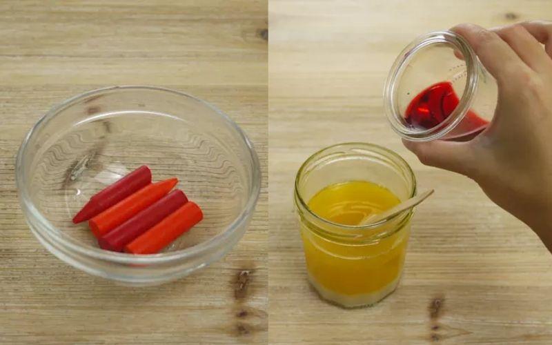 Bước 2: Nung chảy một cây sáp màu rồi đổ vào bơ đã đun