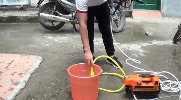 Máy rửa xe gia đình có tính năng tự hút nước