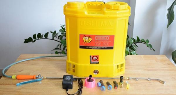 Bình xịt điện sẽ giúp công việc phun dung dịch khử trùng của bạn trở nên nhẹ nhàng hơn