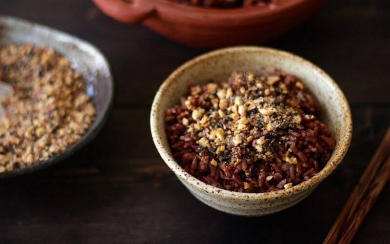 Ăn cơm gạo lứt có tác dụng gì?