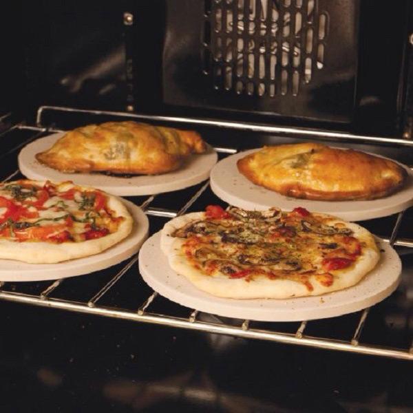 Nướng bánh pizza bằng lò nướng đa năng