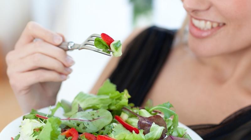 Để khắc phục tình trạng này bạn nên chăm chỉ luyện tập, ăn uống khoa học, ăn nhiều rau xanh