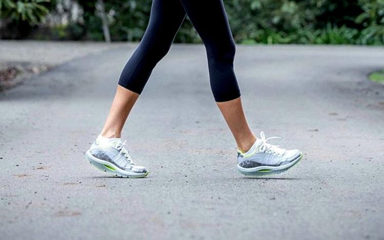 Giãn tĩnh mạch chân có nên chạy bộ?