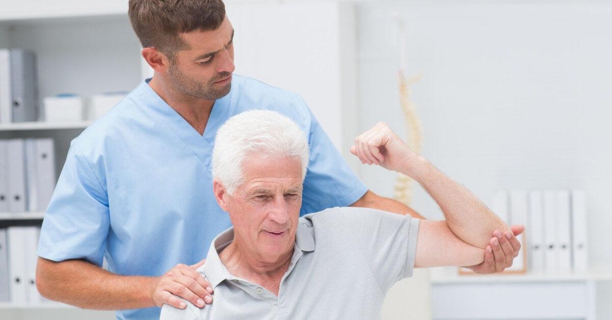 Phục hồi chức năng là một trong những khâu quan trọng trong điều trị tai biến mạch máu não