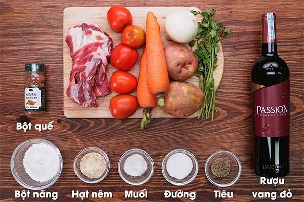 Cách làm món thịt bò sốt vang ăn kèm bánh mì ngon như ăn nhà hàng
