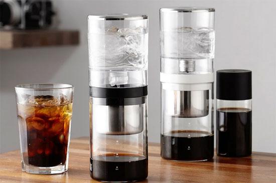 Cold Brew là cách pha cà phê lạnh, sử dụng nước lạnh hoặc nước ở nhiệt độ phòng