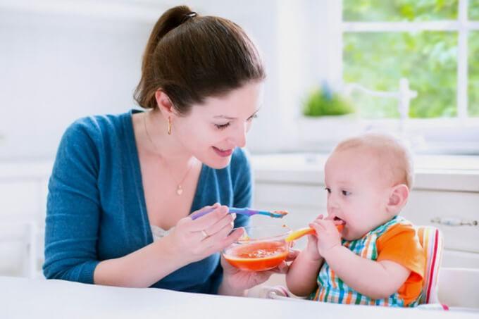 Các món ăn dặm cho bé 5 tháng tuổi