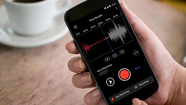 Có cần sử dụng máy ghi âm chuyên nghiệp khi đã có smartphone?