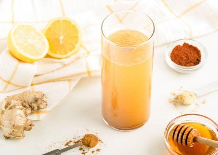 Đối với phụ nữ, uống MẬT ONG với nước ấm mỗi sáng có tác dụng làm đẹp da