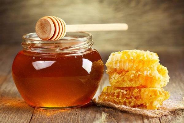 Tẩy da chết bằng mật ong