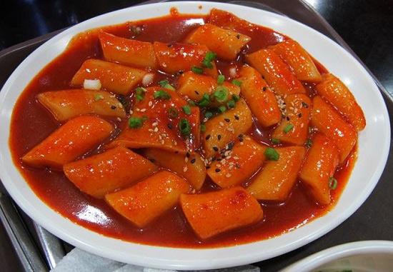 Thành phẩm tokbokki ngon đúng chuẩn Hàn Quốc