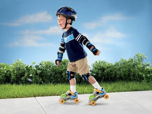 Có nên cho trẻ trượt patin hay không?