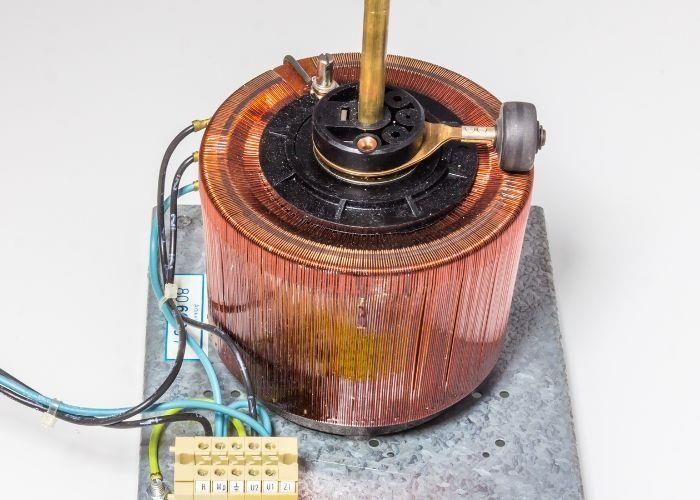 Máy biến áp tự ngẫu chỉ có 1 cuộn dây duy nhất