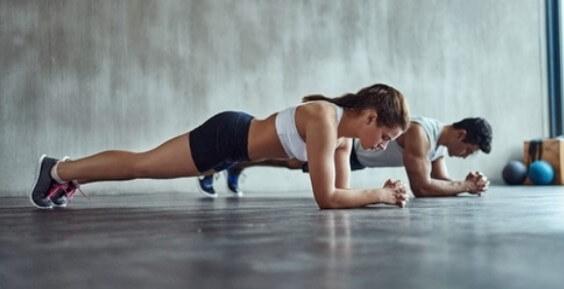 Giải tỏa stress hiệu quả với Plank