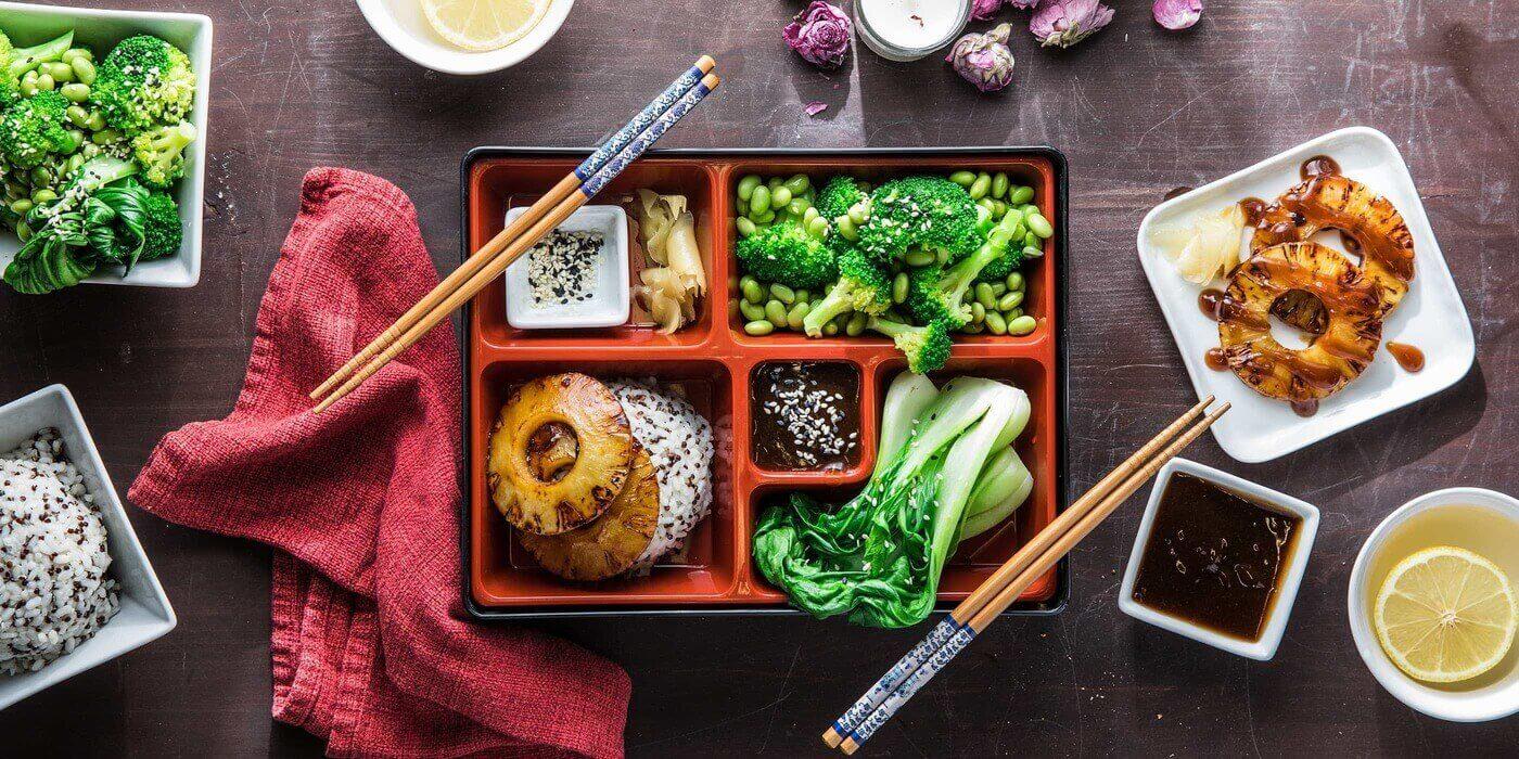 Bento hay còn được biết đến là món cơm hộp nổi tiếng của Nhật Bản