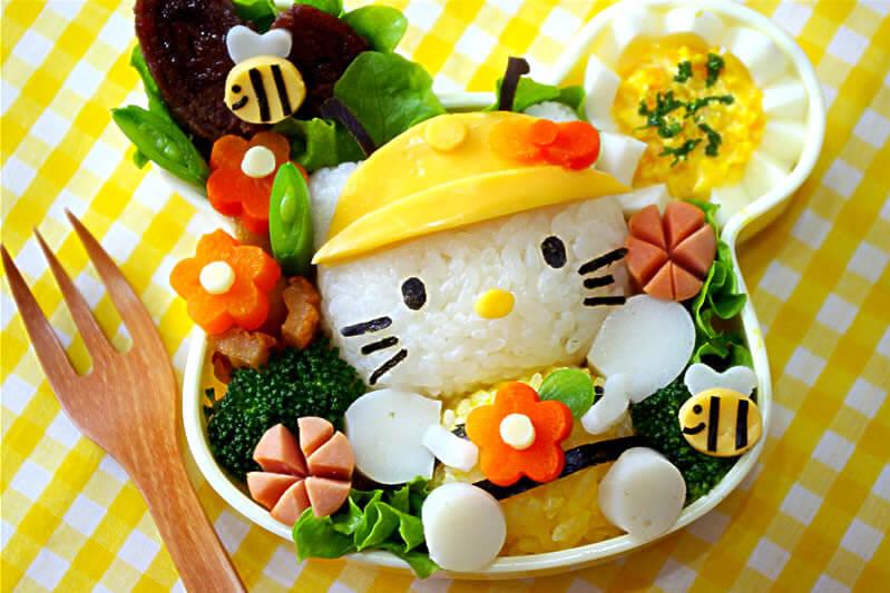 Hộp cơm Bento cho bé hình Hello Kitty