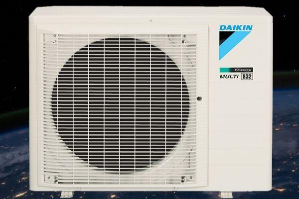 Lắp đặt cục nóng cần đảm bảo khoảng cách với tường